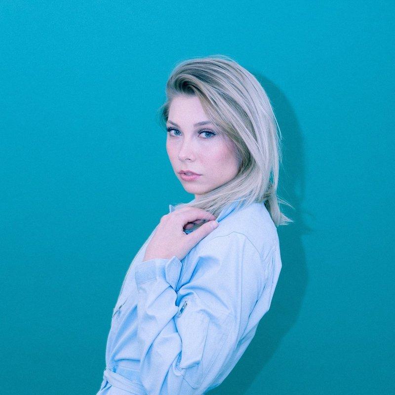 Laur Elle press photo