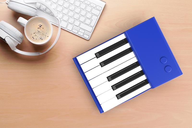 Ottavia portable piano blue