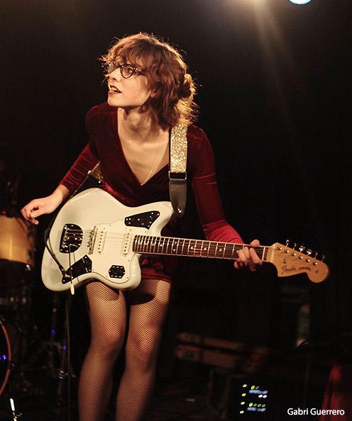 Laia Alsina + The Crab Apples guitarist
