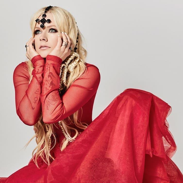 Avril Lavigne press photo