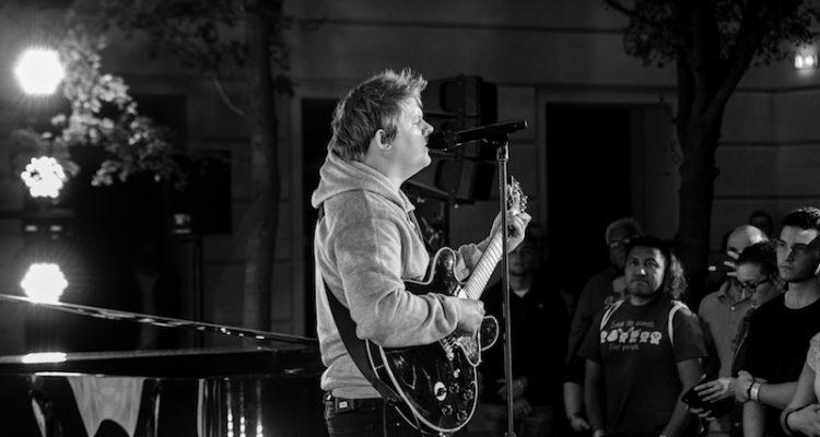 Lewis Capaldi + Apple Apple + Music Up Next Live + Photo by Ashley Verse