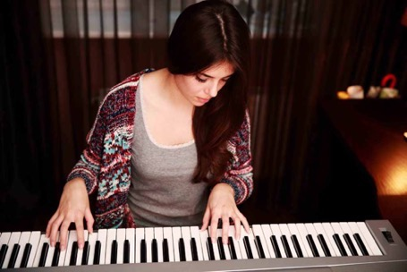 Playing digital piano