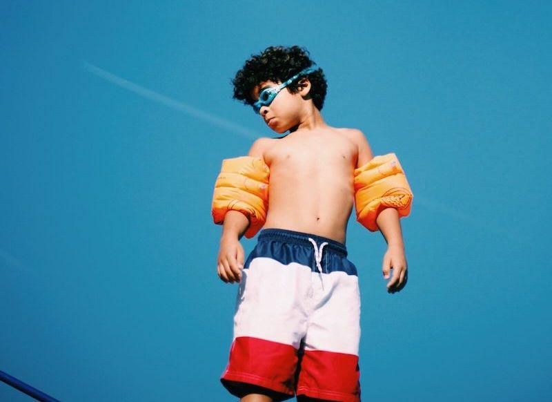 Dutchkid - Flight video still photo of a boy