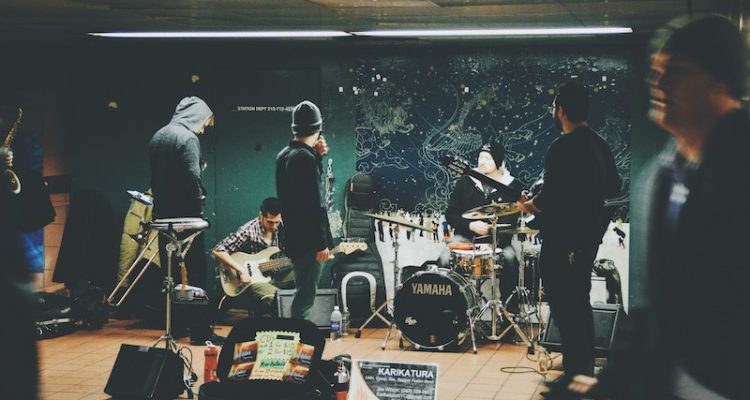 7 tips to create a rock band + hans vivek + unsplash