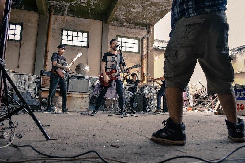 7 tips to create a rock band + hernan-carlos + unsplash