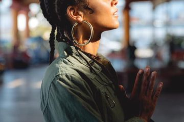 "Alicia Keys - ""Underdog"" music video photo (pray)"