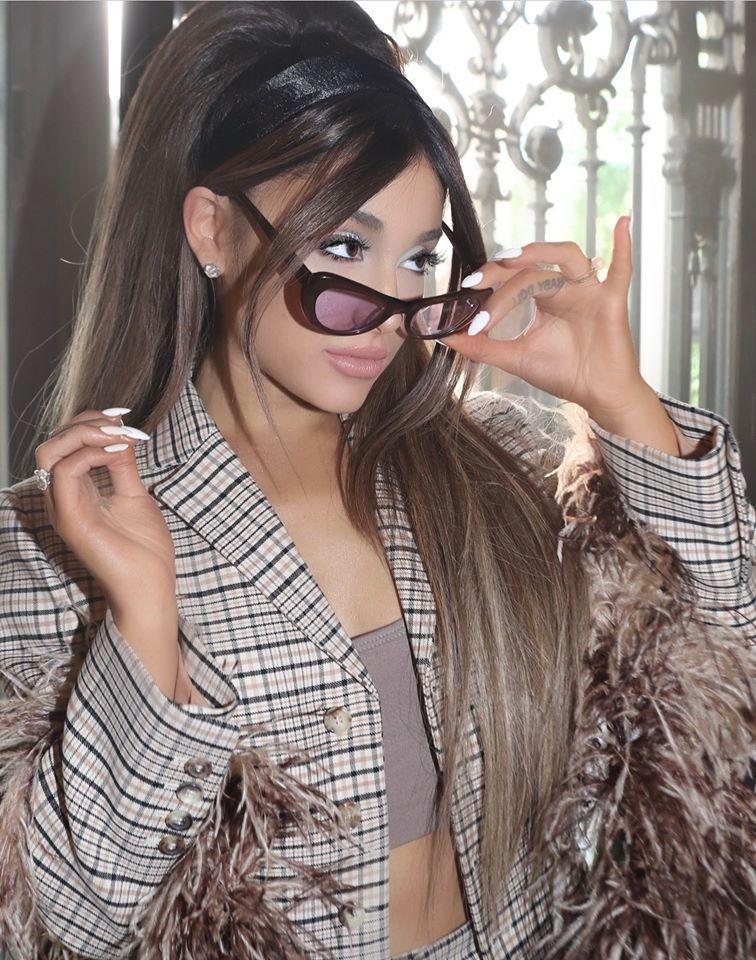 Ariana Grande press photo