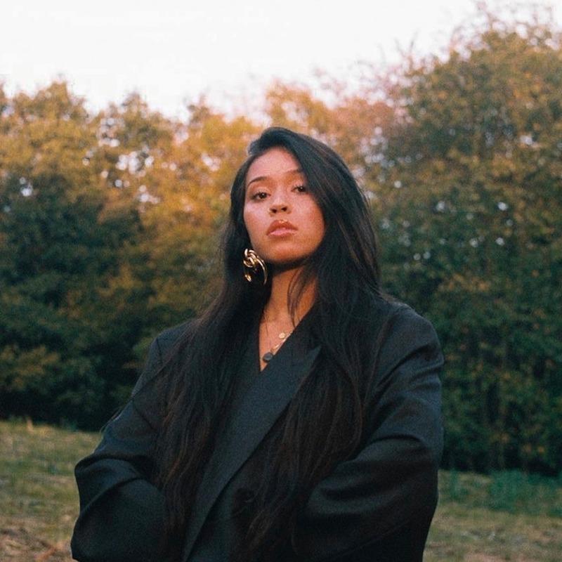 Maya Mae press photo