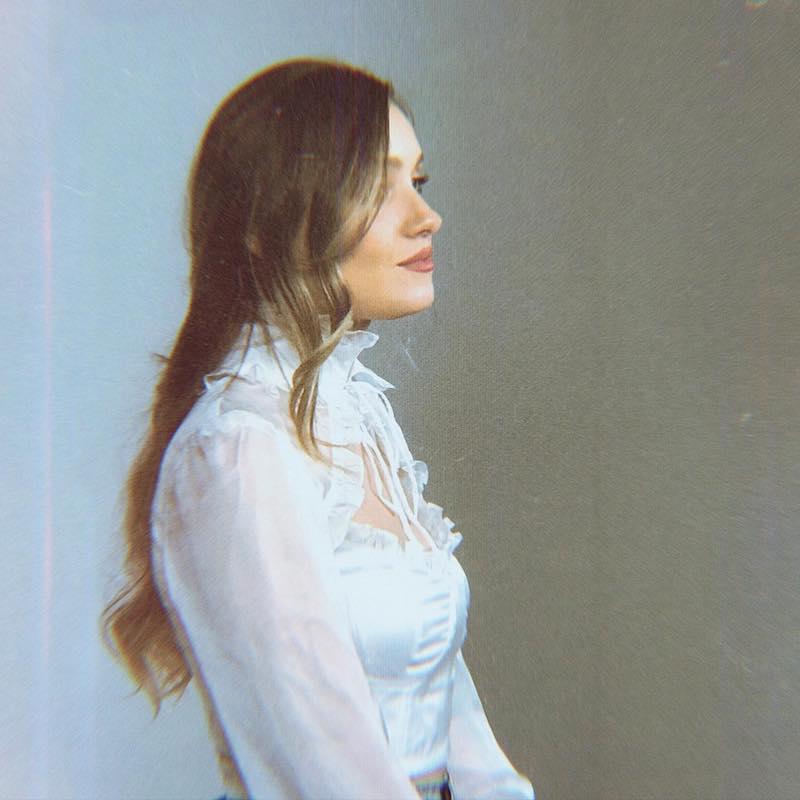 Mia Vaile - American Dream photo