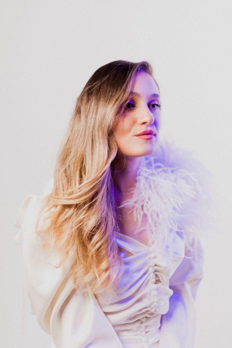 Mia Vaile press photo