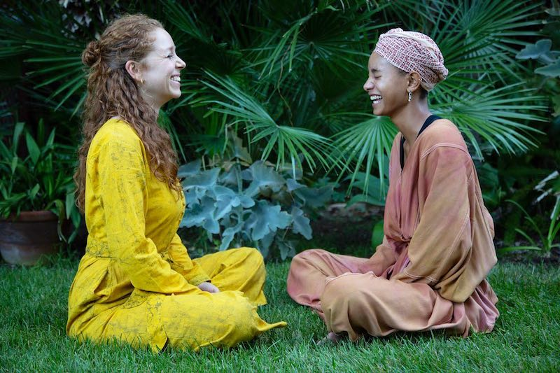 WILLOW & Jahnavi Harrison press photo laughing - press photo by Rasa Partin