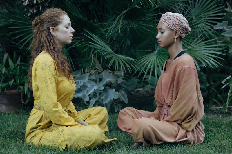 WILLOW & Jahnavi Harrison press photo meditating - press photo by Rasa Partin