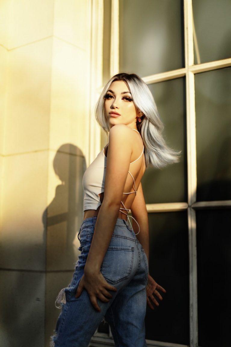 Sophia Gonzon press photo outside - model-looking shots