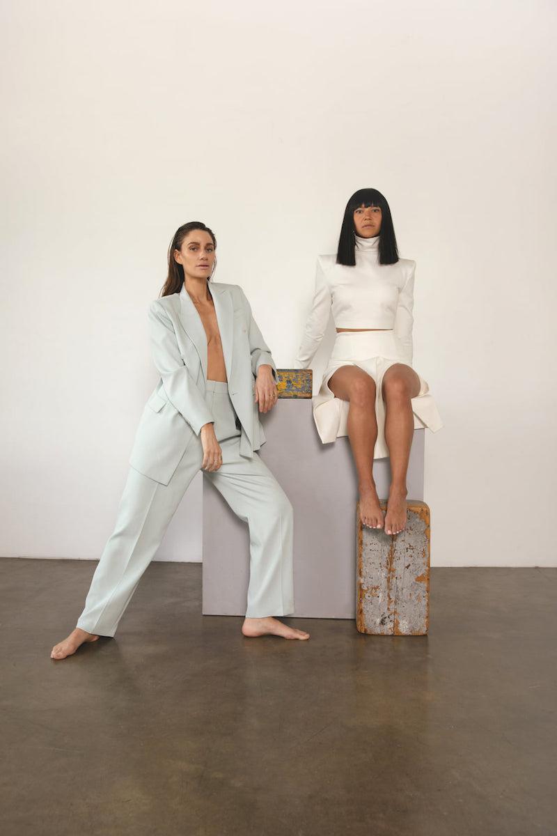 Laura Lee (right) and Niia (left) press photo