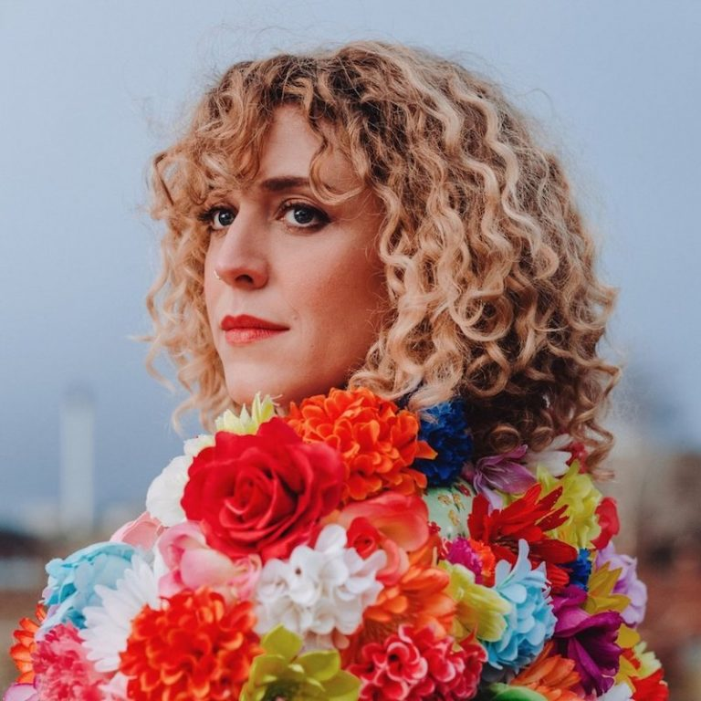 "Lauren Housley - ""Girl from the North"" album press photo"