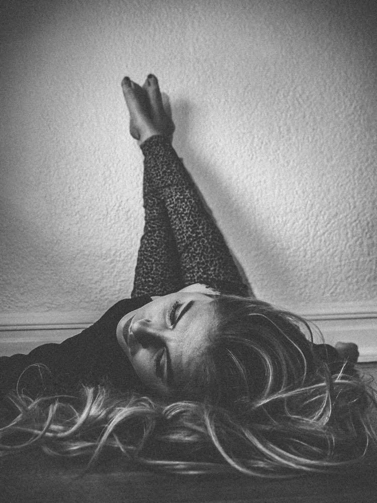 "Taylor Tote - ""21 Min Drive"" press photo (black and white)"