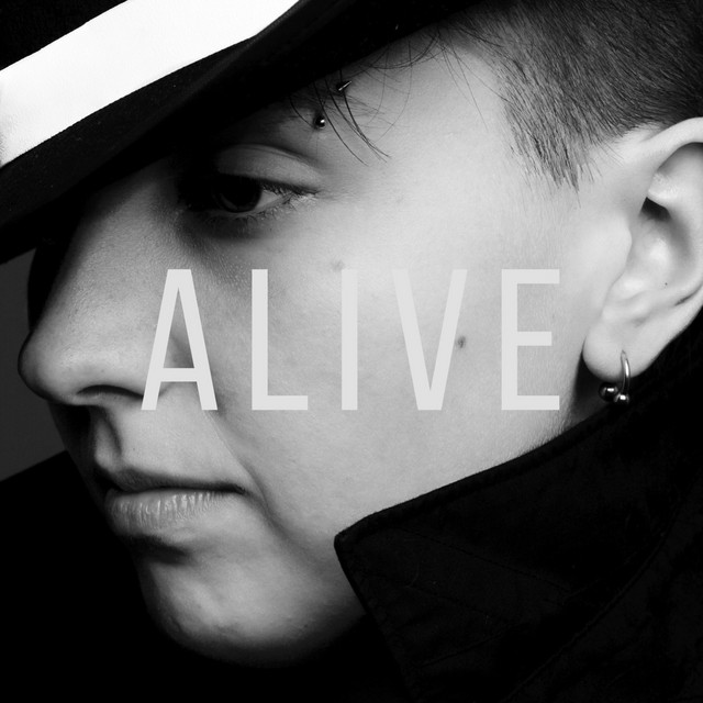 "LIZZ - ""Alive"" song cover art"
