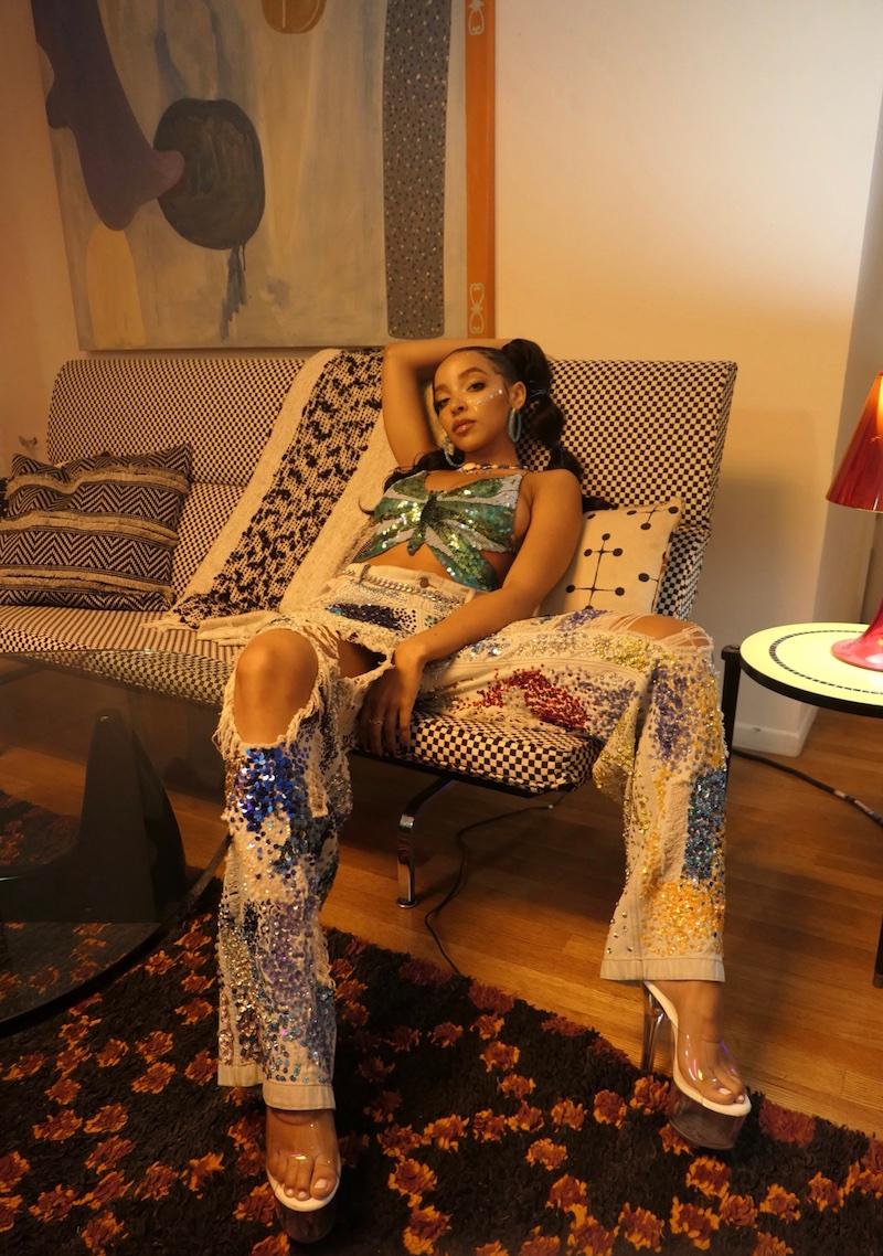 "Tinashe - ""Love Line"" video press photo"
