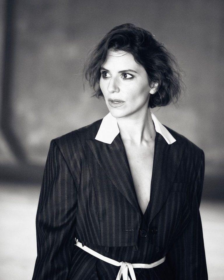 Eva Tolkin press photo