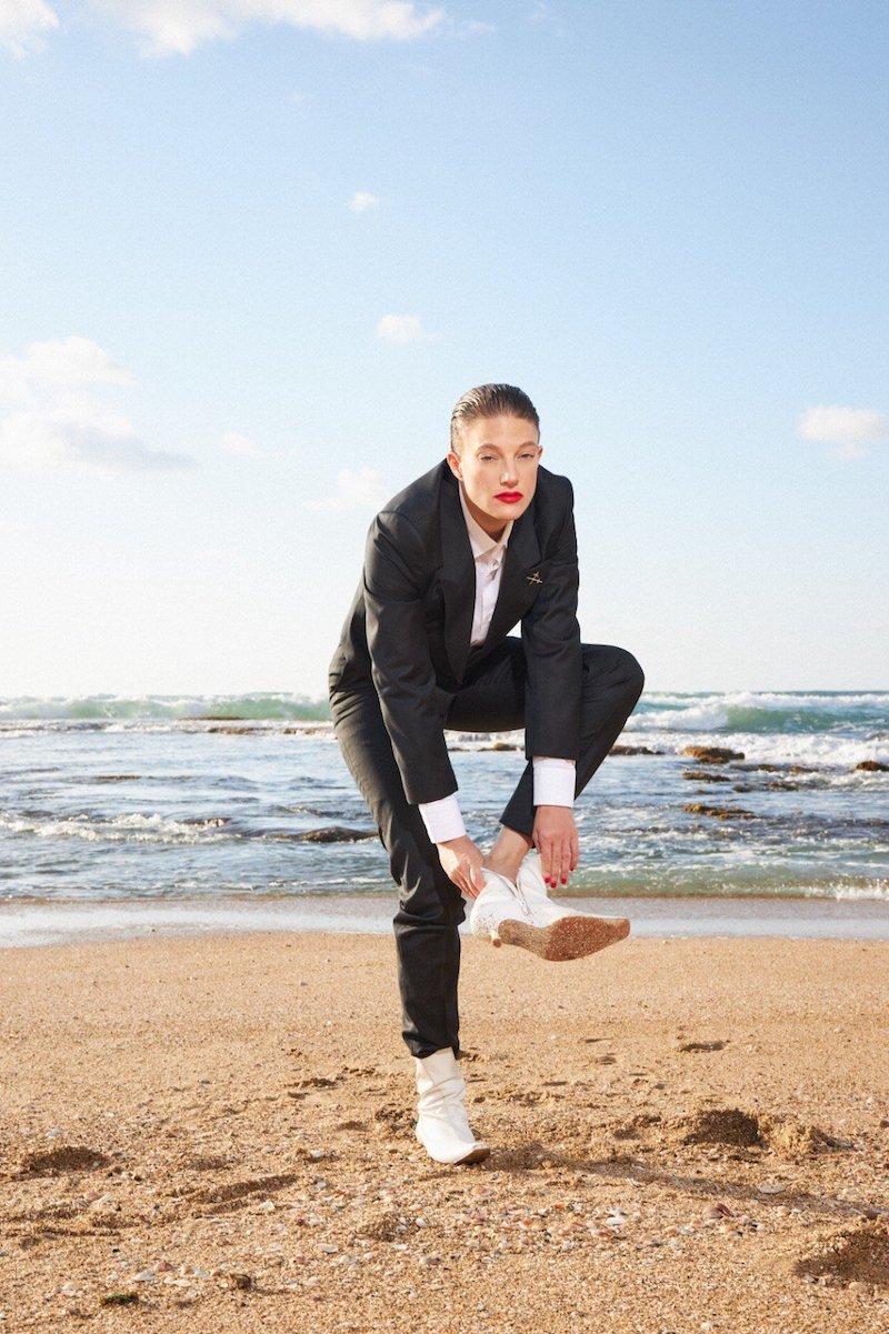 "Louise Kahn - ""Water in Water"" press photo"