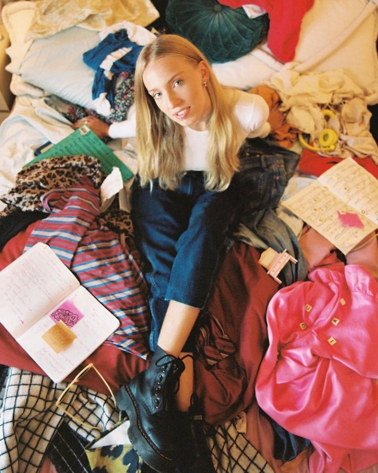 "Maude Latour - ""Clean"" press photo"