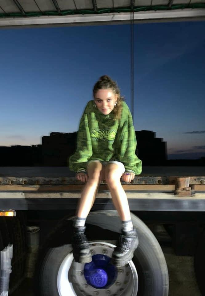 "Holly Humberstone - ""Scarlett"" photo"
